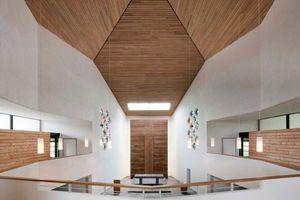 1. Preis, Kategorie Energieeffizienz: Die Melanchthonkirche in Hannover mit einer Knauf TecTem Innendämmung zeichnet sich aus durch die äußerst gelungene Verbindung von bestandsgerechter Teil-Umnutzung, energetischer Ertüchtigung der Gebäudehülle und hoher gestalterischer Qualität.