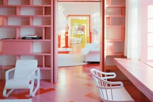 Das Tischlerhandwerk setzt sich auch in den Einbauten fort, beispielsweise in Form von Regalen<br />