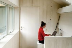Holzbauweise bietet: Vorfertigung, eine geringe Bauzeit, geringe Wandstärke mit hohem Dämmaß<br />