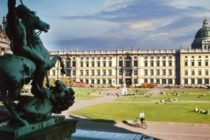 Montage Virtuelles Schloss Berlin<br />