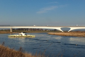 Die Hauptstützweite der Elbebrücke beträgt 144 m<br />