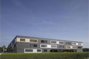 Auszeichnung: Diezinger & Kramer Architekten,  Eichstätt, mit der Realschule in Dachau im Passivhausstandard