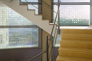 Das Treppenhaus ist mit Aluprofilen verkleidet<br />