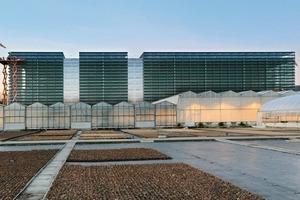 Die gefaltete Solarfassade macht das Hochregallager energieautark; und ästhetisch wirksam<br />