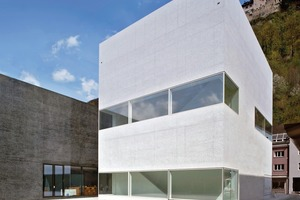 Kunstmuseum (schwarz) mit Hilti Foundation