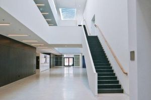 1. Preis, Kategorie Bauphysik: Der Neubau der Musikhochschule Karlsruhe vereint hohe Anforderungen an die Schalldämmung und Raumakustik mit hervorragender Gestaltung.