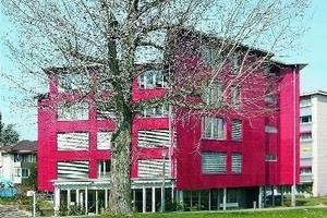 Aufstockung eines Altenpflegeheimes in Stahl-Leichtbauweise in Muttenz bei Basel