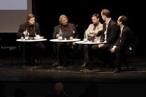 Die Podiumsdiskussion am Ende des ersten Tages mit Moderator Georg Vrachliotis, Adrian von Buttlar, Dirk van den Heuvel, Tom Avermaete und Luca Molinari (von links nach rechts)