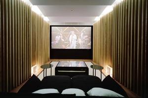 Der Vorführraum mit qualitativ hochwertigem Audio- und Videoentertainment