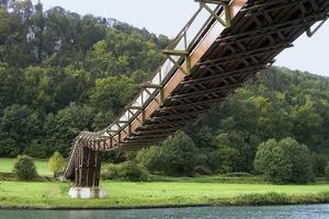 Holzbrücke bei Essing, Spannbandbrücke, Spannweite 73 m, Gesamtlänge 189,91 m<br />