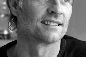 """<div class=""""fliesstext_vita""""><strong>Paul Ingenbleek</strong><br />1961geboren in Kleve 1979-1981Ausbildung zum Werkzeugmacher/Schlosser 1982-1987Studium Bauingenieurwesen an der Fh Köln 1984-1986theoretische Zusatzausbildung zum Betonfachingenieur &amp; Schweiß</div><div class=""""fliesstext_vita"""">fachingenieur 1987-1988Statiker im Büro Hildebrandt &amp; Sieber in Berlin 1988-1993Zweitstudium Architektur an der TU Berlin 1988-1997Mitarbeit in mehreren Architekturbüros,<br />1998Gründung eines eigenen Architektur-büros in Berlin Seit 1999Einstieg in die Bürogemeinschaft Office 33, im Bereich Wohnen und Gewerbe, Sanierungen, Denkmalschutz, Restau-rants und Galerien<br />2004Modezentrum """"Labels Berlin"""" u.a. für Hugo Boss, Brax, Orwell 2007Airport City Flughafen Schönefeldt. BBI, Entwicklung, Projektierung LP 1+2<br />2008Circlehouse auf dem Gasometer<br />2009Lofthouse in der Fichtestraße<br />2009autofreie Gartenstadt, Sozialgemein-schaft """"Bäumerpark""""<br />2011Umbau Taut-Haus am Engeldamm in 60 Wohneinheiten im denkmalgeschützten Gewerksschaftshaus</div>"""