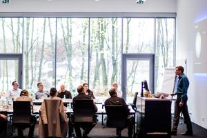 Die Teilnehmer erhalten  fundierte theoretische  Erklärungen zu allen Aspekten der Lichtplanung und ihrer Umsetzung