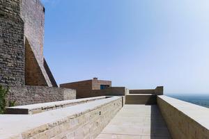 Die Ringmauer - die dicke Mauer - bleibt erhalten und muss nach Jahren nur repariert werden, ganz im Sinne der ökologischen und ökonomischen Form des Bauens