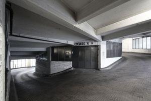 In der Aufwärtshelix liegen die ehemaligen Waschanlagen, die heute fürs Lagern oder Parken gemietet werden