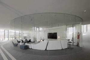 Kleiner Studentengruppen können in verglasten oder mit Wänden abgetrennten Bubbles arbeiten oder kleinere Besprechungen abhalten<br />
