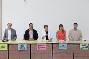 """Kuratorenteam 2016 auf der Pressekonferenz im Deutschen Pavillon: """"Making Heimat. Germany, Arrival Country"""""""