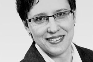 """<div class=""""autor_linie""""></div><div class=""""dachzeile"""">Autorin</div><div class=""""autor_linie""""></div><div class=""""fliesstext_vita""""><span class=""""ueberschrift_hervorgehoben"""">Valentina Fries </span>(Jahrgang 1978) studierte Betriebswirtschaftslehre an der FH Erfurt mit Schwerpunkt Marketing, Vertriebs- und Handelsmanagement sowie Makro- und Mikroökonomie an der Sibirischen Staatlichen Universität für Telekommunikation und Informatik/Russland. Vor dem Einstieg bei Homatherm als Marketingmanagerin war sie als Verkaufsmanagerin in diversen internationalen Unternehmen tätig.</div><div class=""""autor_linie""""></div><div class=""""fliesstext_vita"""">Informationen unter: <a href=""""http://www.homatherm.com"""" target=""""_blank"""">www.homatherm.com</a></div>"""