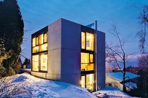 Abb. 5: Wände und Decken aus<br />Betonfertigteilen können wirkungsvoll in das energetische Gebäude-konzept integriert<br />werden. Im Bild ein Einfamilienhaus in Hörbranz − Architekt: Christoph Manahl