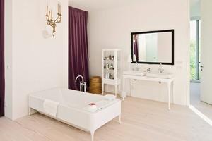 Love: Lebensraum des Paares-Schlafraum mit Bade-Salon, der auch zum Rückzug und Lesen dient<br />