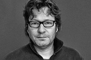"""<div class=""""fliesstext_vita"""">Peter Walser, Dipl. Architekt FH SIA<br />1964 geboren<br />1980–1984Lehre als Hochbauzeichner<br />1985–1990Ingenieurschule HTL in Chur/CH<br />1991–1994Architekt bei Dieter Jüngling und Andreas Hagmann, Chur/CH<br />seit 1997Zusammenarbeit mit Joos Gredig<br />seit 2011Teilhaber GREDIG WALSER ARCHITEKTEN AG</div>"""