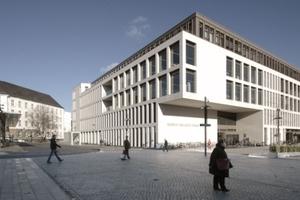 """Das """"Heinrich-von-Kleist-Forum"""", ein Bildungs- und Kulturzentrum von 2010 direkt dem Hauptbahnhof gegenüber; mit privater Fachhochschule für Wirtschaft und Logistik SRH<br />"""