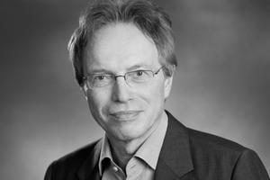Autor  Bernd Niebuhr hat nach dem Architekturstudium in verschiedenen Architekturbüros in Planungsabteilungen und als Bauleiter gearbeitet. Es folgte eine Tätigkeit als Redakteur bei unterschiedlichen Baufachmedien. Niebuhr war darüber hinaus Fachjournalist und Pressebeauftragter der Kalksandsteinindustrie - Kalksandstein-Information KS-INFO in Hannover und dort für die Presse- und Öffentlichkeitsarbeit zuständig. Seit 1996 ist Niebuhr selbstständig als Fachautor und Journalist mit den Schwerpunkten Architektur und Bautechnik.