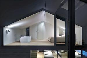 Die Dächer wurden getrennt von den Außenwänden betoniert. Gegenüber dem Schlafzimmer befindet sich das Studio, das über eine separate Treppe erschlossen wird