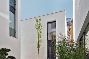 Vielgestaltige Freiräume und Einschnitte auf den verschiedenen Ebenen bringen viel Tageslicht in die Wohnungen