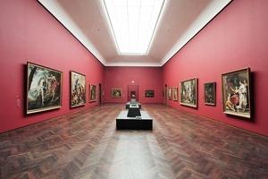 """Oberlichtsaal im Altbau in klassischem Rot, Mainflügel, """"Alte Meister"""" (bis 1800)<br />"""