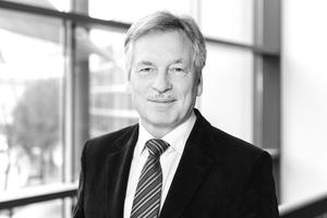 """Autor  Hans-Otto Kraus, Jahrgang 1949, arbeitete nach dem Studium der Architektur, TU München, ab 1976 als Architekt in einem Münchener Architekturbüro. Von 1980–2005 arbeitete er in unterschiedlichen Wohnungsunternehmen in Bayern und Nordrhein-Westfalen. Seit 2005 ist er technischer Geschäftsführer der GWG München. Seit Dezember 2009 ist er Mitglied des Vorstandes im Förderverein Baukultur und seit März 2010 Vorsitzender des Vorstandes der Vereinigung Münchener Wohnungsunternehmen. <a href=""""http://www.gwg-muenchen.de/bauen-fuer-muenchen/modellprojekte"""" target=""""_blank"""">www.gwg-muenchen.de/bauen-fuer-muenchen/modellprojekte</a>"""