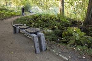 """2. Platz RecyclingDesignpreis 2012  Dirk Wember & Felix Kaiser, Münster  Projekt """"DIN 1317"""" (Leitplanken oder -Gartenbank)"""