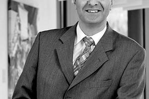 """<div class=""""autor_linie""""></div> <div class=""""dachzeile"""">Autor</div> <div class=""""autor_linie""""></div> <div class=""""fliesstext_vita""""><span class=""""ueberschrift_hervorgehoben"""">Abidin Uygun</span></div> <div class=""""fliesstext_vita"""">Jahrgang 1970. Von 1996 – 2000 studierte er an der Hochschule für Technik in Stuttgart Bauphysik. In der Zeit von 2007 bis 2009 hat er den Masterstudiengang """"Master of Building Physics"""" an der Universität Stuttgart besucht und absolviert. Er arbeitet seit Mai 2000 als verantwortlicher Akustiker für die Firma OWA Odenwald Faserplattenwerk GmbH in Amorbach.</div> <div class=""""fliesstext_vita""""></div> <div class=""""autor_linie""""></div> <div class=""""fliesstext_vita"""">Mehr Informationen: www.owa.de</div>"""