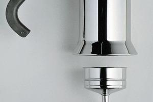 Richard Sappers Espressomaschine aus dem Jahr 1978 ist mittlerweile ein Klassiker – Foto und Entwurfsskizze<br /><br />