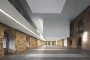 Die ursprüngliche Raumdimension der fast 90 m langen Halle des Westflügels ist komplett erhalten geblieben