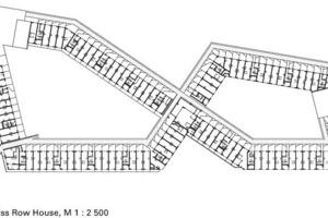 Im südlichen Gebäudeteil hat sich ein Kindergarten niedergelassen und beansprucht einen Teil des Hofs<br />