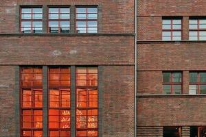 Die Mädchenschule in der Auguststraße wurde nach Plänen von Alexander Beer gebaut