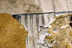 Bild3: Fliesenbelag mit Klebemörtel und Kunstharzschicht<br />