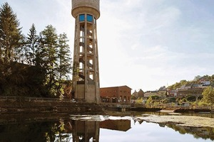 Wasserturm mit Pumpenhaus am Kühlbecken