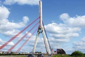 Niederrheinbrücke Wesel, Schrägseilbrücke, längste Stützweite 334,82 m, Gesamtlänge 772,5 m<br />