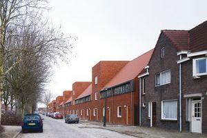 """2. Platz Gesamtsieger<br />Sieger Kategorie """"Wohnungsbau, Geschosswohnungsbau""""<br /><br />Projekt: Lakerlopen, Eindhoven (NL)<br />Baujahr:2010<br />Architekt: biq stadsontwerp bv, Rotterdam (NL)<br />"""