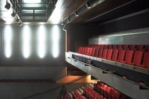 Das MAC bietet Platz für zwei Theater mit angegliedertem Auditorium, drei Kunstgalerien, ein Tanzstudio, acht Räume für Workshops udn Kurse sowie ein Café und eine Bar<br />