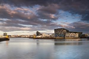 Finalist: Harpa – Konzerthalle und Konferenzzentrum Reykjavik, Reykjavik, Island, Batteríid Architekten, Henning Larsen Architekten, Studio Olafur Eliasson