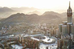 Die größte Turmuhr der Welt steht in Mekka, im Zentrum der heiligen Stätte