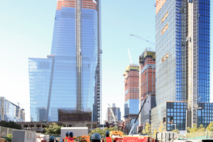"""Blick von Osten auf """"55 Hudson Yards"""" und """"30 Hudson Yards"""". Dazwischen die """"Vessel"""" von Thomas Heatherwick"""