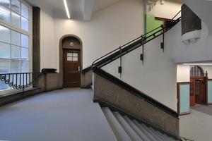 Treppenhaus vom Eingangsfoyer nach oben<br />