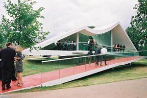 Oscar Niemeyer: Serpentine Pavilion