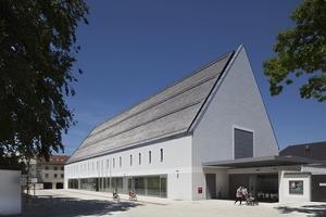 1. Preis: Das Kultur- und Kongressforums Altötting, geplant von Florian Nagler Architekten aus München, ausgeführt von Kaufmann Bausysteme aus Reuthe in Österreich