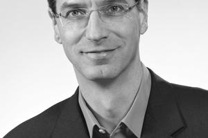 """<div class=""""autor_linie""""></div><div class=""""dachzeile"""">Autor</div><div class=""""autor_linie""""></div><div class=""""fliesstext_vita""""><span class=""""ueberschrift_hervorgehoben"""">Dipl.-Ing. Holger Krüger</span> ist Leiter der Anwendungstechnik der Paul Bauder GmbH &amp; Co. KG, Stuttgart.<br />Vor seinem Studium durchlief er eine handwerkliche Ausbildung. Holger Krüger arbeitet in diversen Normausschüssen und Fachverbänden wie vdd, WBB und IVPU mit.</div><div class=""""fliesstext_vita""""></div><div class=""""autor_linie""""></div><div class=""""fliesstext_vita"""">Informationen unter: <a href=""""http://www.bauder.de"""" target=""""_blank"""">www.bauder.de</a></div>"""