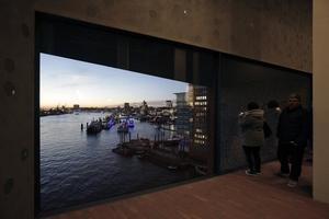 Umsteigepunkt mit Hafenaussicht: spektakulär und schön