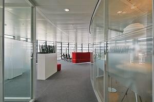 Den Abteilungen stand neben der Musterfläche zur Erprobung der neuen Arbeitsumgebung ein Katalog von verschiedenen Möbeln zur Verfügung. So wurden zum Beispiel mehrere Schreibtischstühle über einen längeren Zeitraum getestet